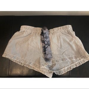 Sleep boxers for her, NWT